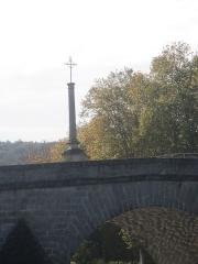 Croix de pierre - Français:   Croix Saint-Nicolas, ou Croix des Mariniers, bénite en 1739.