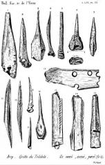 Grottes préhistoriques - English: Grotte du Trilobite, Arcy-sur-Cure, Yonne, Burgundy, France.  Taken from Abbé Alexandre Parat, Les Grottes de la Cure (côte d'Arcy): La grotte du Trilobite, plate 3 (between pp. 32-33). Bone tools.