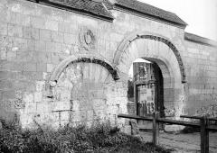 Ancienne abbaye Saint-Lucien, à Notre-Dame-du-Thil - French architectural photographer