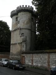Ancienne abbaye Saint-Lucien, à Notre-Dame-du-Thil - Français:   tour de l\'Abbaye Saint-Lucien de Beauvais classé monument historique