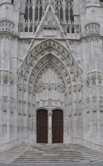 Cathédrale Saint-Pierre - Cathédrale Saint-Pierre de Beauvais (Oise, France), portail St Paul sur la façade du transept sud.