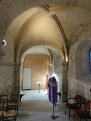 Eglise Saint-Pierre - Français:   Bas-côté nord, 5e travée, vue vers l\'ouest.