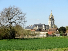 Eglise - Français:   Vue depuis le sud-est.