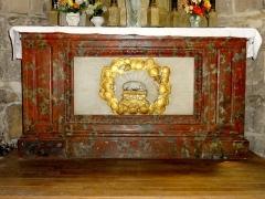 Eglise de la Sainte-Trinité -  Absidiole sud, autel.