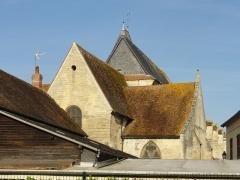 Eglise Saint-Martin - Français:   Vue sur le chevet (donnant sur une propriété privée) depuis la rue des Usines.