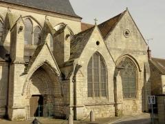 Eglise Saint-Martin - Français:   Portail méridional, chapelle latérale et croisillon sud.