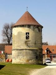 Abbaye de Royallieu - Français:   Colombier de l\'ancienne ferme de l\'abbaye.