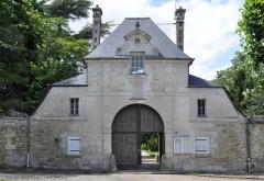Abbaye de Royallieu - Français:   Porche de l\'abbaye de Royallieu à Compiègne, France