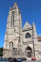 Eglise Saint-Jacques - Tour et grand portail de l'église Saint-Jacques de Compiègne (Oise, France).