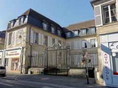 Hôtel de la Petite Rose - Français:   Hôtel de la Petite-Rose - ancien hôtel du Grand-maître de France, 32 rue d\'Austerlitz.