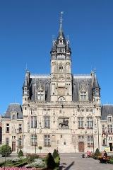Hôtel de ville - Français:   L\'hôtel de ville de Compiègne (Oise, France).