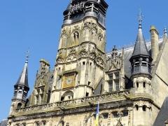 Hôtel de ville - Français:   Détail du beffroi.