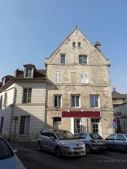 Maison - Français:   Maisons 16 rue de Paris (à gauche) et 1 rue Notre-Dame de Bon-Secours.