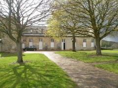 Ancienne abbaye Saint-Arnould - Français:   entrée du musée Abbaye Saint-Arnould, Crépy-en-Valois