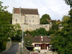 Ancien château Saint-Aubin - Français:   Façade sud du château Saint-Aubin et ancien presbytère de 1777 de la paroisse Sainte-Agathe.