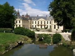 Domaine de Jean-Jacques-Rousseau - Français:   Château d\'Ermenonville, façade sud tourné vers le Grand Parc.