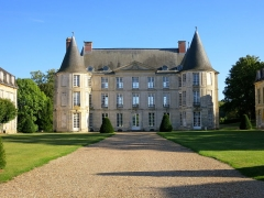 Château - English: Chateau of Hénonville, Picardie, France