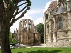 Ancien évêché -  Chevet Cathédrale et ruines
