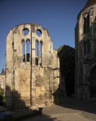 Ancien évêché - English: Noyon; Cathédrale; Nord-Pas-de-Calais-Picardie, Oise; France; ref: PM_102926_F_Noyon; Cultural heritage; Cultural heritage/Cathedral; Europe/France/Noyon; Wiki Commons; photo: Paul M.R.Maeyaert; www.pmrmaeyaert.eu; © Paul M.R. Maeyaert; pmrmaeyaert@gmail.com