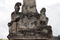 Fontaine - English: Noyon; la fontaine du Dauphin; Nord-Pas-de-Calais-Picardie, Oise; France; érigée en 1771, commémorant le mariage du Dauphin, futur Louis XVI et de Marie-Antoinette; ref: PM_102913_F_Noyon; Cultural heritage; Europe/France/Noyon; Wiki Commons; photo: Paul M.R.Maeyaert; www.pmrmaeyaert.eu; © Paul M.R. Maeyaert; pmrmaeyaert@gmail.com