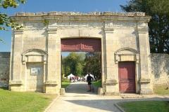 Château - Français:   Porte du parc du château du Plessis Brion
