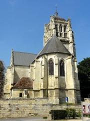 Eglise - Français:   Vue depuis l\'est.