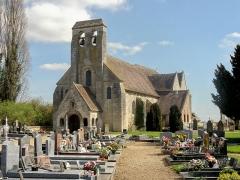 Eglise et cimetière qui l'entoure - Français:   Vue depuis le sud-ouest.