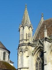 Eglise et chapelle - Français:   Sainte-chapelle, tourelle avec flèche à l\'angle sud-ouest.