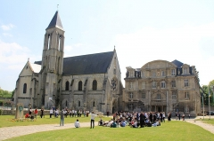 Ancienne abbaye Saint-Vincent - English: Annual celebreation in Senlis