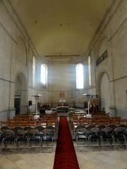 Ancien Hôpital de la Charité - Français:   Nef de la chapelle, vue vers l\'est.