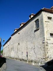 Ancien Hôpital de la Charité - Français:   Le bâtiment de «la Force» de 1752 le long de la rue Temple, depuis le carrefour avec la rue de la Poterne.