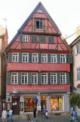 Ancienne poste aux chevaux - Deutsch: Buchhandlung und Antiquariat Heckenhauer in Tübingen - 1895-1899 Arbeitsplatz von Hermann Hesse
