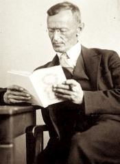 Ancienne poste aux chevaux - English: German author Hermann Hesse