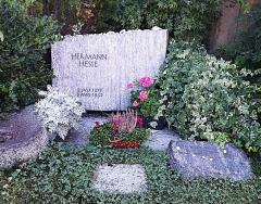 Ancienne poste aux chevaux - Italiano: Tomba di Hermann Hesse, Gentilino, CH