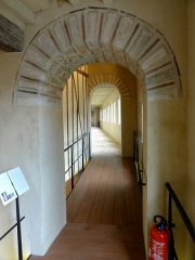 Enceinte gallo-romaine - Français:   Galerie Renaissance, intérieur de la tour n° 5 de l\'enceinte gallo-romaine, disparue sur la façade.