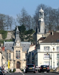 Tour Balhan - English: View on the town hall, the Balhan tower and the ramparts of Château-Thierry, Picardie, Aisne, France.