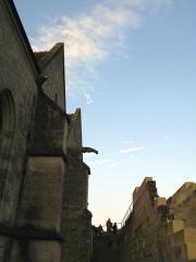 Eglise -  Coucy-le-Château (Aisne, France) - Eglise dans la cité fortifiée.