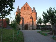 Eglise Saint-Nicolas -  Eigen opname van de église fortifiée Saint-Nicolas te Englancourt (Aisne, France)