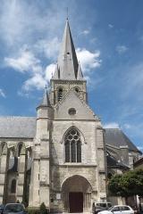 Eglise Notre-Dame - Deutsch: Katholische Pfarrkirche Notre-Dame in Marle im Département Aisne (Picardie/Frankreich), Ansicht von Süden