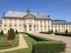 Ancienne abbaye - Français:   Bâtiment principal de l\'abbaye de Prémontré (Aisne, Picardie)