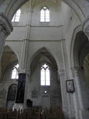Eglise Saint-Julien et Saint-Jean-Baptiste - Français:   Élévation nord de la nef de l\'église Saint-Julien de Royaucourt-et-Chailvet (02).