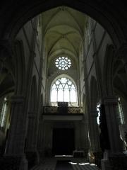 Eglise Saint-Julien et Saint-Jean-Baptiste - Français:   Nef de l\'église Saint-Julien de Royaucourt-et-Chailvet (02).