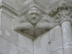 Eglise Saint-Julien et Saint-Jean-Baptiste - Français:   Console de la dernière travée du collatéral sud de l\'église Saint-Julien de Royaucourt-et-Chailvet (02).