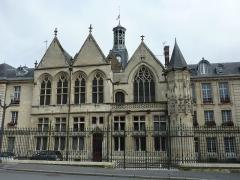 Hôtel de ville - Français:   Hôtel de ville de Saint-Quentin