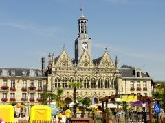 Hôtel de ville - Français:   Hôtel de ville de Saint-Quentin.