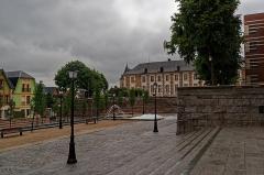 Ancien évéché - English: Amiens - Place Notre-Dame - View East towards Jardin Mediéval & L'École supérieure de commerce d'Amiens