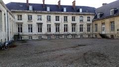 Ancien évéché - Français:   Palais de l\'évêché d\'Amiens 6