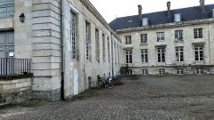 Ancien évéché - Français:   Palais de l\'évêché d\'Amiens 7