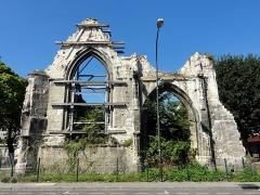 Hôtel Dieu - Français:   Ruine de l\'hôtel-Dieu, rue Saint-Leu.