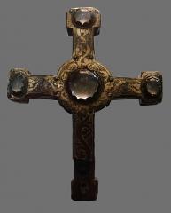 Musée de Picardie - Croix reliquaire, cuivre doré et gravé, première moitié du 13ème siècle. Musée de Picardie à Amiens.